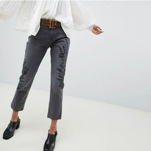 Free People Jeans - NWT Free People Embroidered Crop Girlfriend Jeans